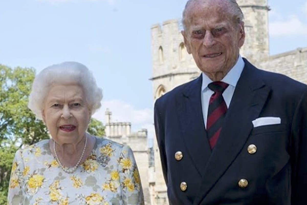Il Marito Della Regina Elisabetta E Davvero Scomparso Lo Scatto Che Solleva Altri Dubbi