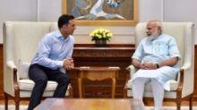 QuickE: Akshay's Chat With PM Modi, Varun-Sara Team Up