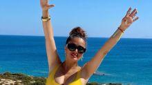 Salma Hayek (54) raubt uns in gelbem Badeanzug den Atem