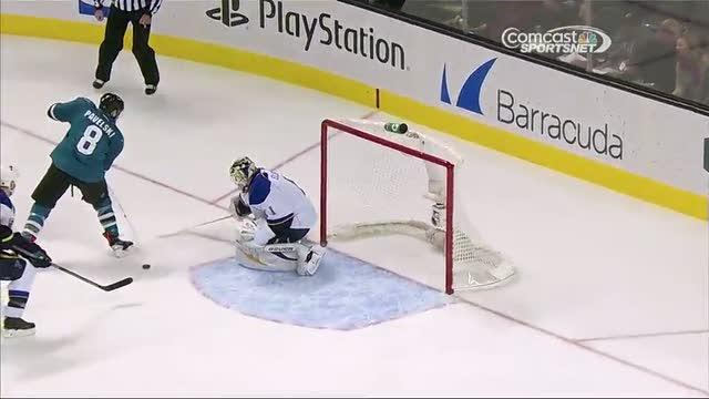 Pavelski's amazing no-look setup to Thornton