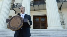 Alabama governor halts impeachment, not disparaging report