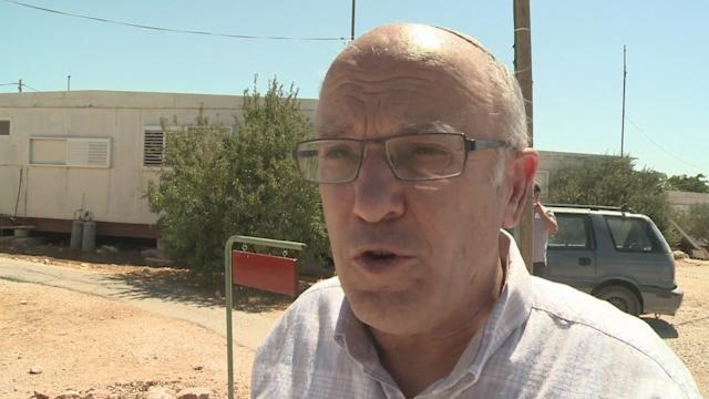 Jewish settlers leave West Bank outpost