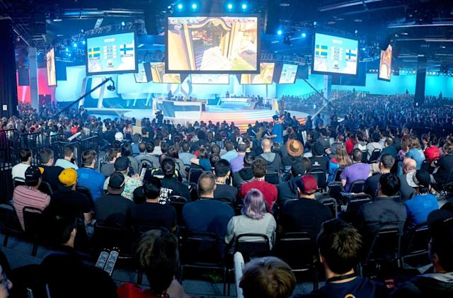 Discord signs eSports pros to use its chat app