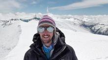 Un alpiniste français gravit les 48 plus hauts sommets d'Europe, sac poubelle à la main