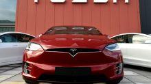 Tesla, de nouveau rentable, se rêve bientôt autonome