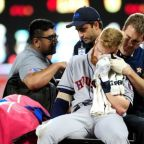 Astros' Moran taken to hospital with facial injury