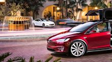 Early-Build Tesla Model X SUVs Face Quality Issues