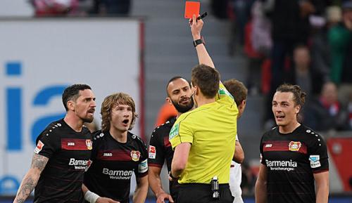 Bundesliga: Leverkusen-Verteidiger Jedvaj stellt Negativ-Rekord auf