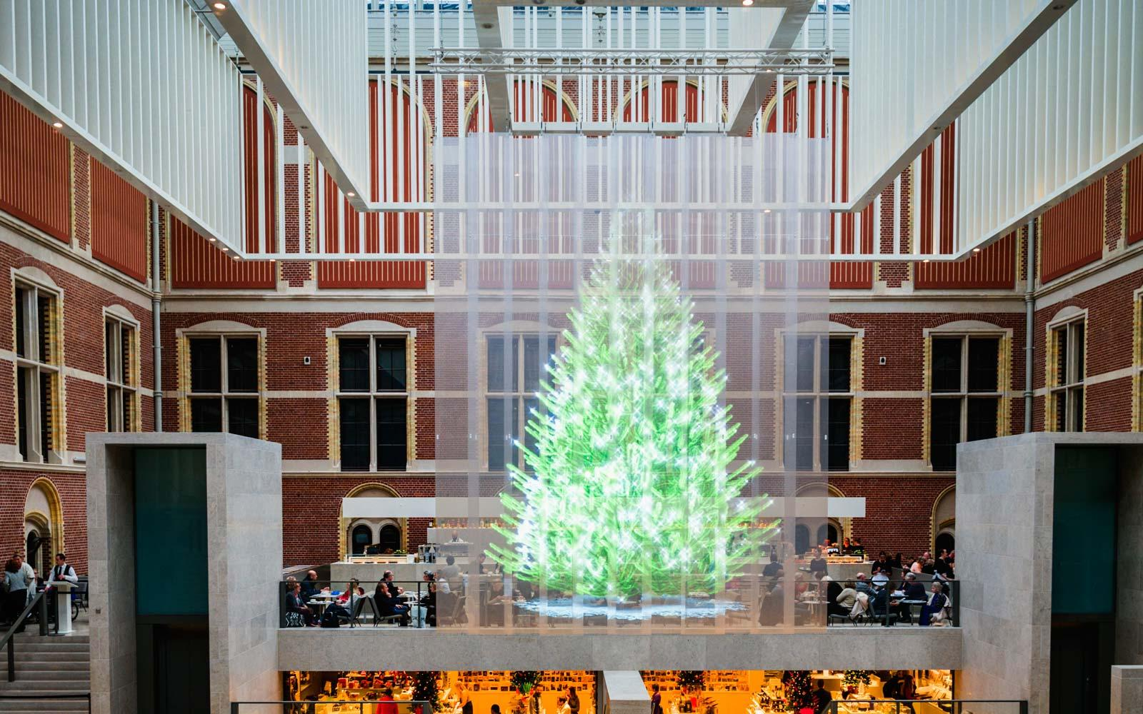 Holographic Christmas Tree.The Weirdest Christmas Trees In The World