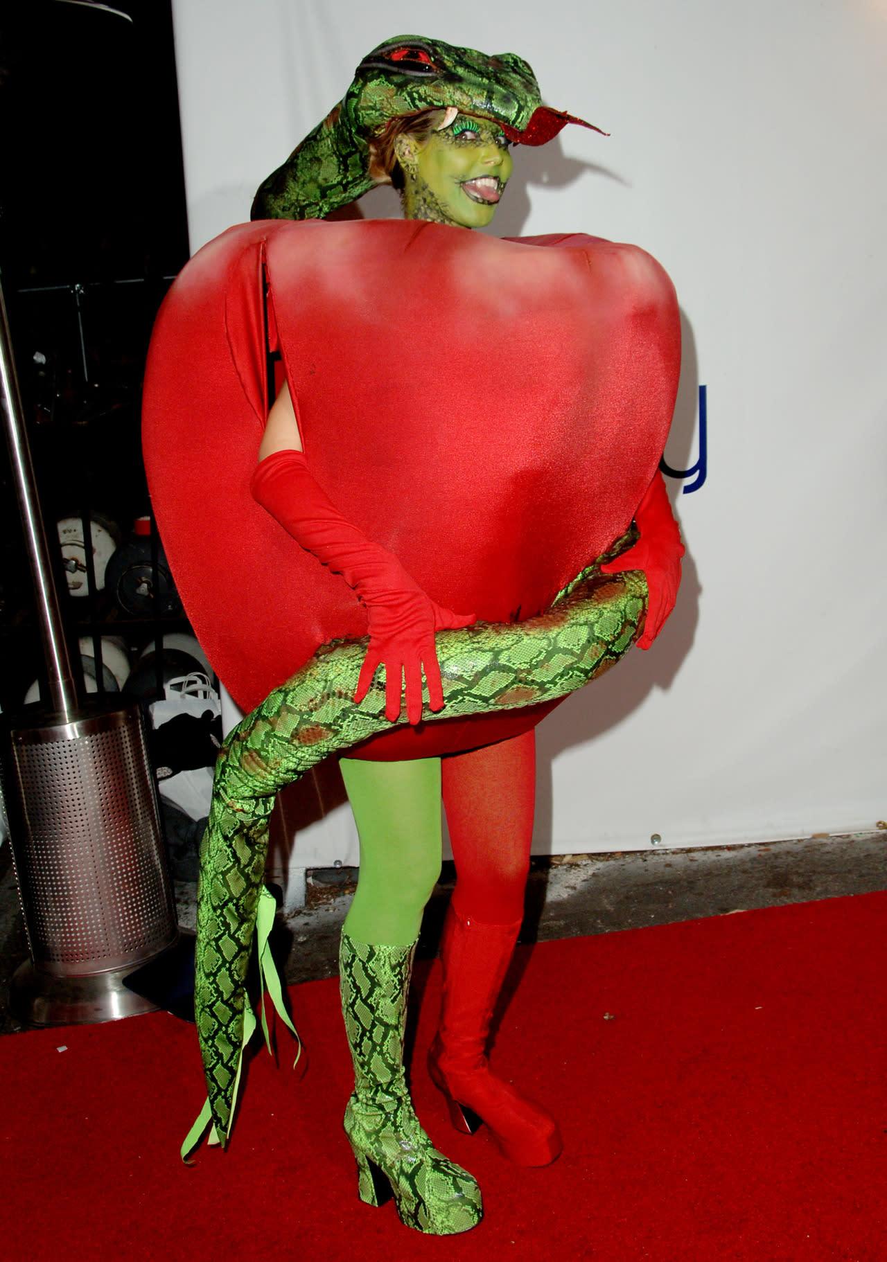 Heidi Klum Halloween Shiva.Heidi Klum Shares Amazing Sneak Peek Of 2015 Halloween Costume