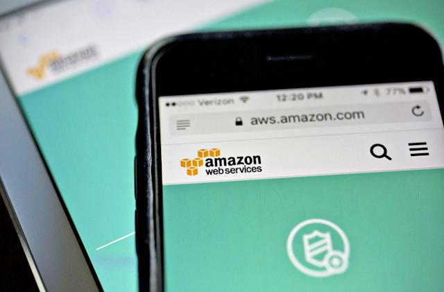 Amazon outage breaks large parts of the internet