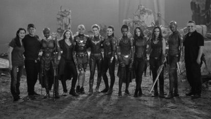 Why are fans upset at this all female Avengers picture?