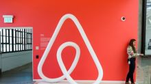 Airbnb plans public listing in 2020