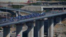 """Inauguration du nouveau pont de Gênes : """"On oublie un peu qu'il est construit sur les ruines d'une catastrophe"""", estime une mère d'une victime"""