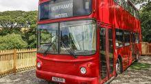走進魔法世界 英國哈利波特騎士雙層巴士酒店