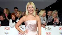 Holly Willoughby makes ice-cream cake for daughter's birthday in pink floral dress