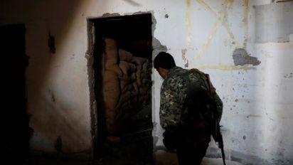 (FOTOS) Dentro de un búnker del Estado Islámico