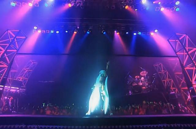 Virtual pop star Hatsune Miku will tour North America in 2016