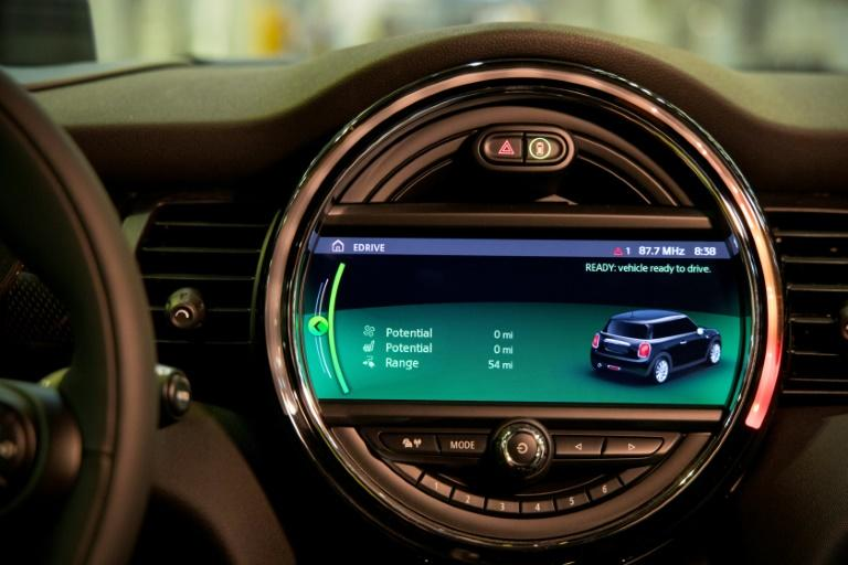 The dashboard of the new MINI electric car unveiled earlier this month at the BMW group plant in Cowley (AFP Photo/Tolga Akmen)