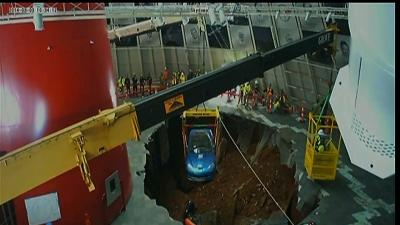 Raw: Museum Removes Corvettes From Sinkhole