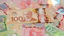 Canadian Dollar Drifting After U.S. GDP Beats Estimate, Euro Dips on Trade War Fears