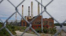 U.S. greenhouse emissions fell in 2017 as coal plants shut