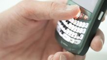 Will Lower Revenues Hurt BlackBerry's (BB) Q3 Earnings?