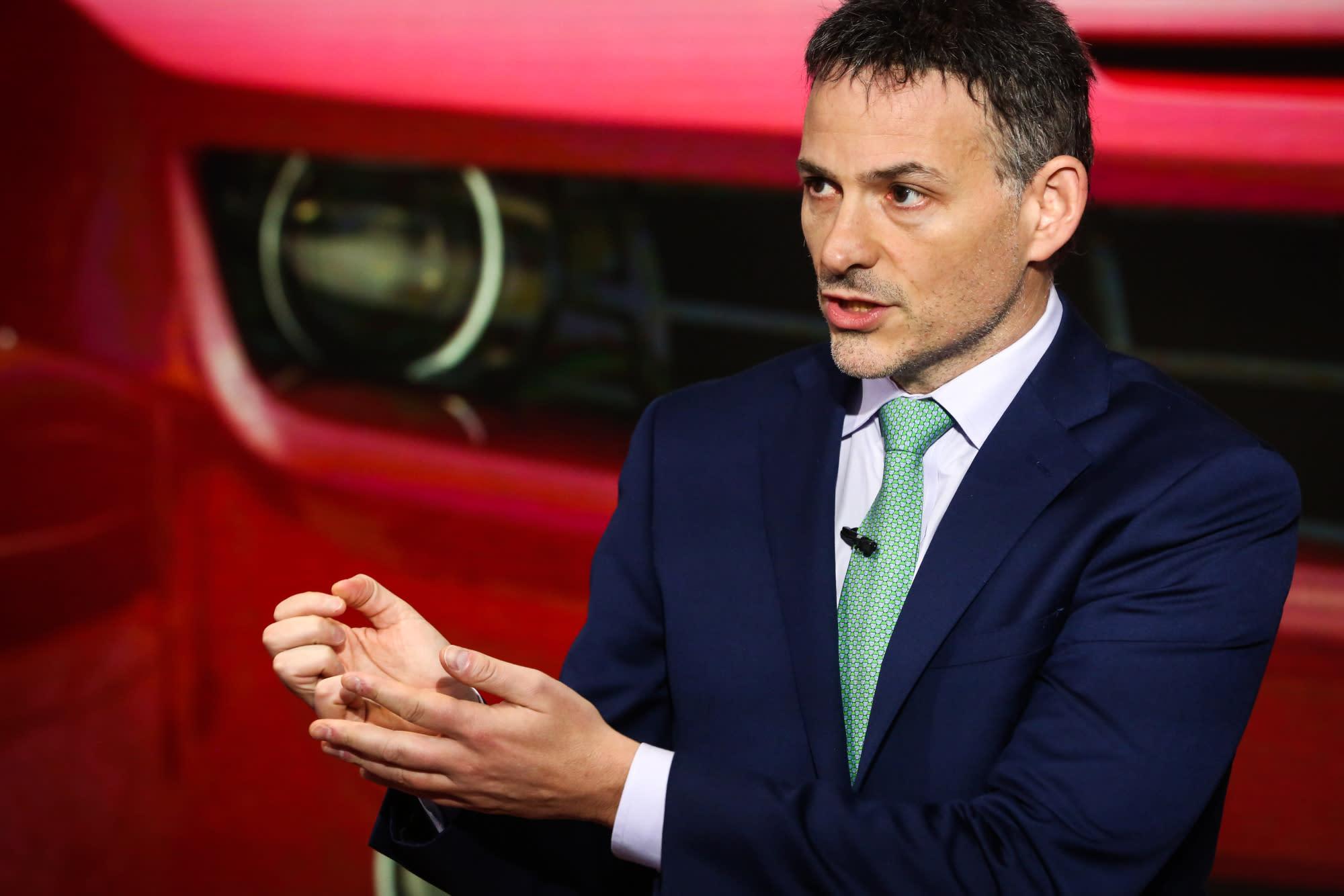 Tesla increasingly resembles Lehman Brothers 23