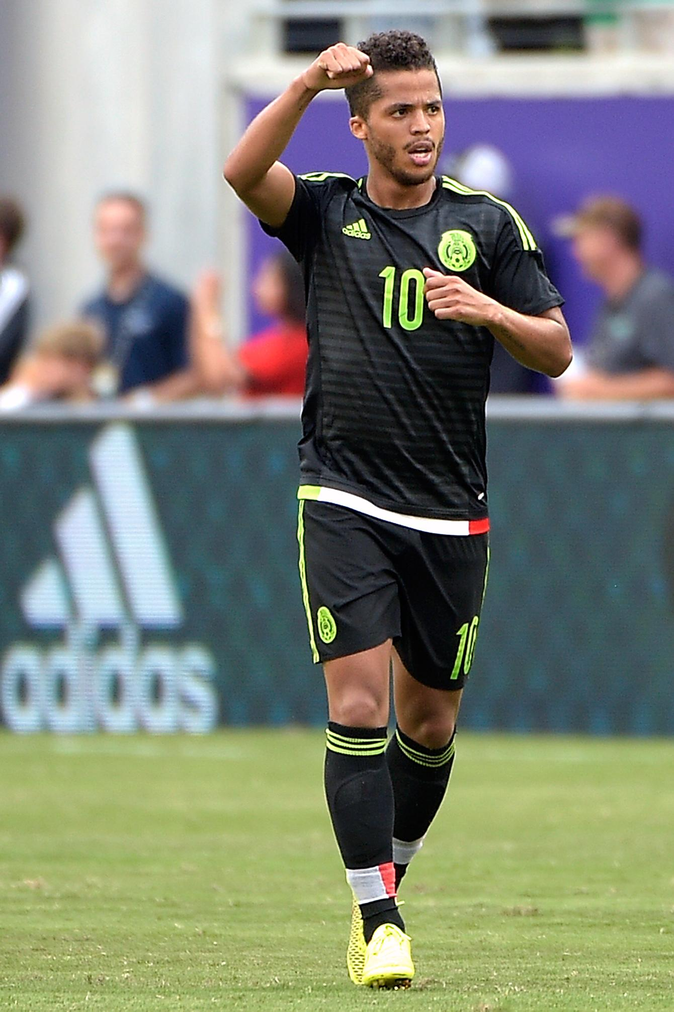 who does giovani dos santos play for