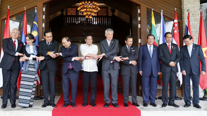 No sign Philippines raised sea feud win vs. China in summit