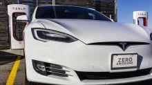 Las acciones de Tesla son un 'cohete': ya acarician los 900 dólares