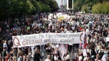 Coronavirus : la police interrompt la manifestation des anti-masques à Berlin