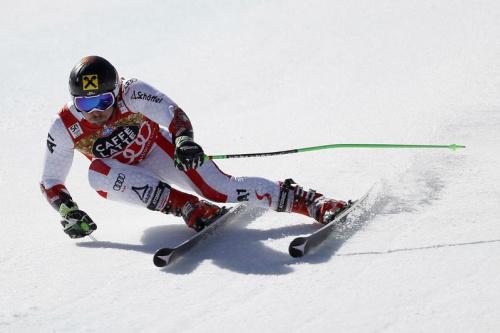 Hirscher remporte le slalom géant, Faivre troisième