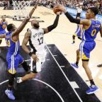 Curry leads Warriors to third straight series sweep