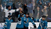 Thornton's 400th goal lifts Sharks past Predators 5-4