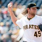 MLB rumors: Latest news, buzz, trades and more