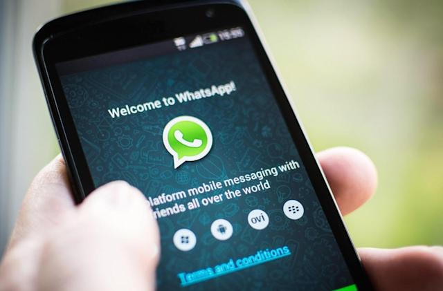 France gives WhatsApp a month to stop sharing data with Facebook