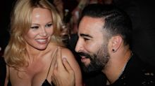 Pamela Anderson rompe con su novio y lo acusa de abusador