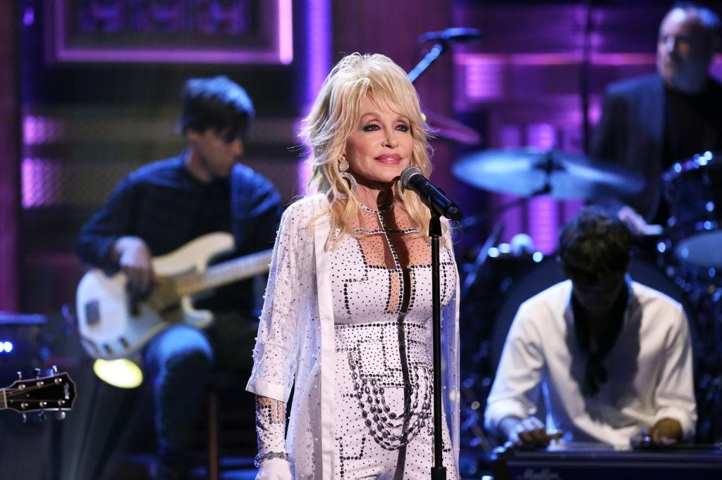 Dolly Parton's latest achievement: Creating viral 'LinkedIn, Facebook, Instagram, Tinder' meme at 74