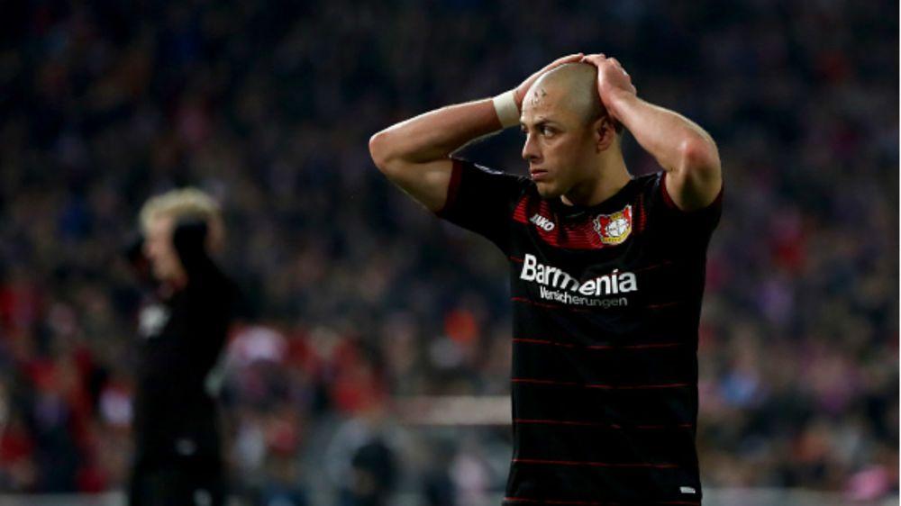 """DT del Leverkusen: """"Chicharito no está listo para regresar"""""""