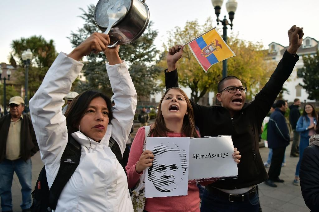 Supporters of Wikileaks founder Julian Assange -- in Ecuador and elsewhere -- believe he is at risk of extradition to the United States if forced to abandon the embassy's protection (AFP Photo/RODRIGO BUENDIA)