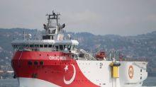 El buque de reconocimiento turco Oruc Reis se encuentra cerca de su costa sur, según muestra rastreador de barcos