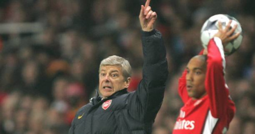 Foot - ANG - Arsenal - Gaël Clichy veut qu'Arsène Wenger reste à Arsenal