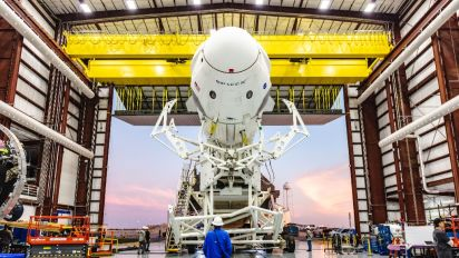 Mysterious incident plagues SpaceX capsule