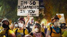 Violences policières : des mères pour protéger les manifestants de Portland