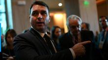 Ex-assessora de Flávio Bolsonaro assume ter participado de esquema de rachadinha