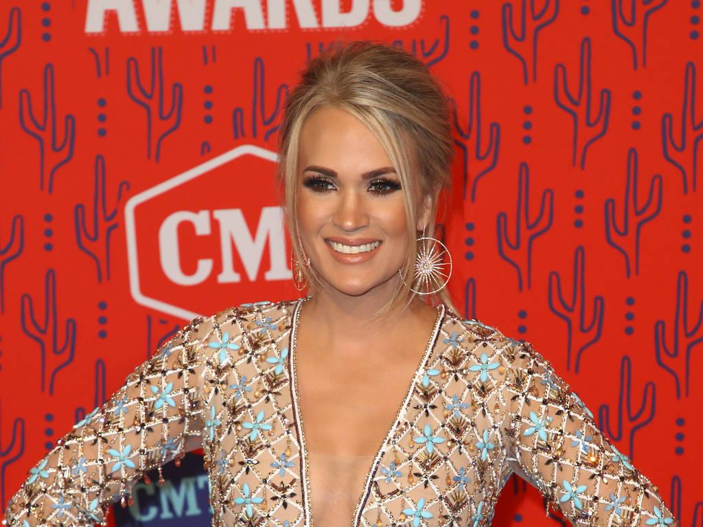 Carrie Underwood Had Never Travelled On A Plane Before American