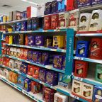 UK urges citizens to stay at home over Easter, police ready to get tough
