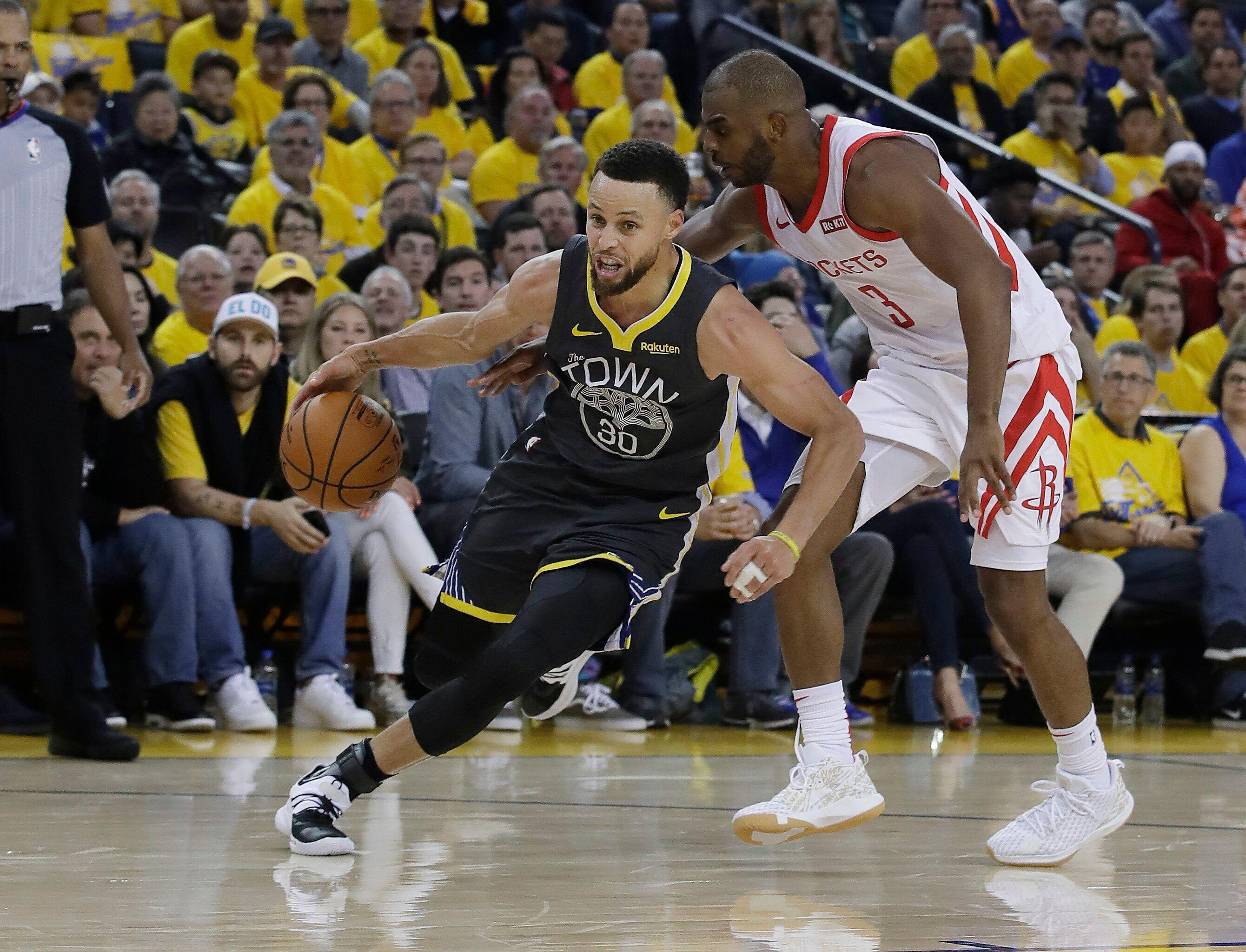 3a6f43bd8fd Stephen Curry dealing with pain
