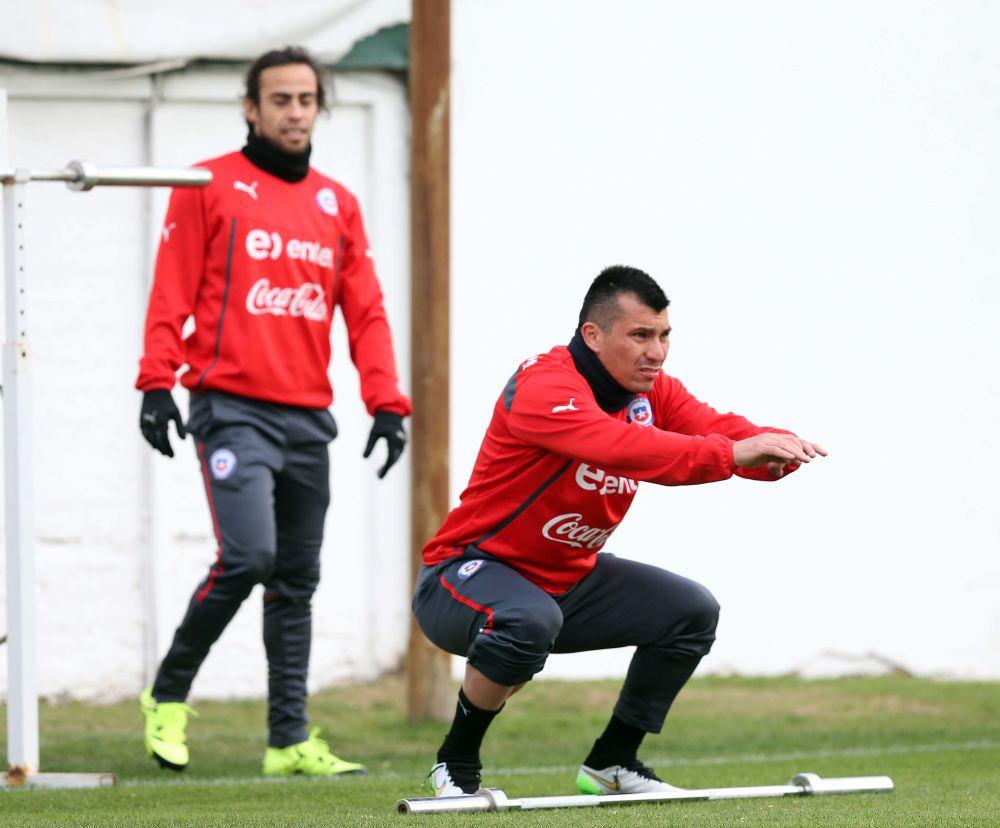 Messi, igual que Medel y Valdivia